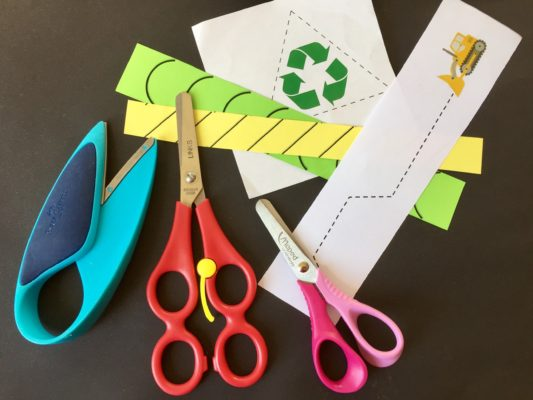 detské nožnice a šablóny na strihanie