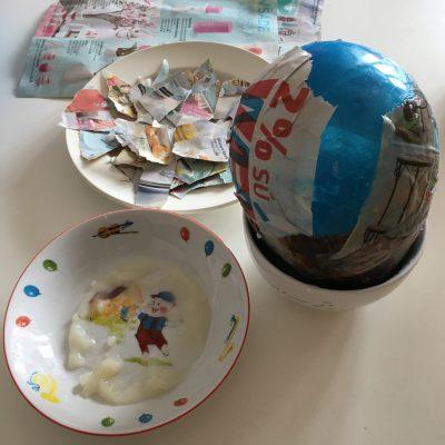 kašírujeme papier na balón a vyrábame veľkonočné vajce návod