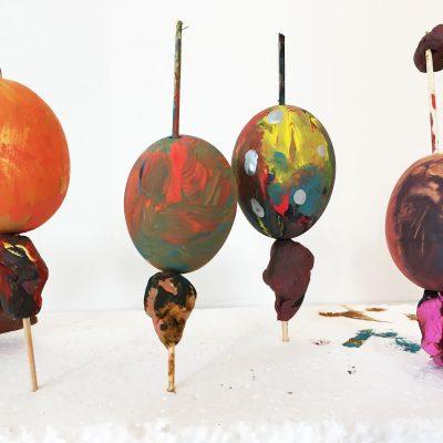Maľovanie veľkonočných vajíčok s deťmi