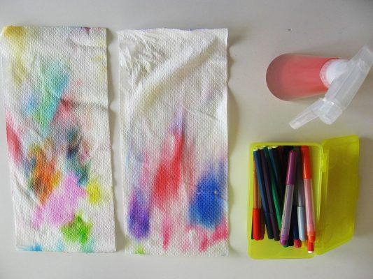 fixky, rozprašovač a savý papier